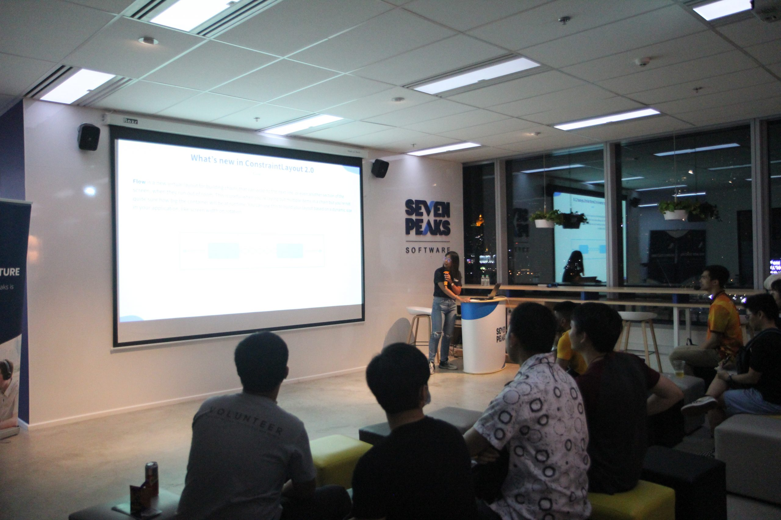 Android meetup - Presentation about ConstraintLayout2.0 by Ann